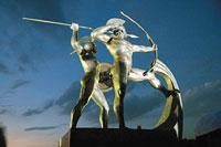 Το γλυπτό του μνημείου που φιλοτέχνησε ο Αχιλλέας Βασιλείου